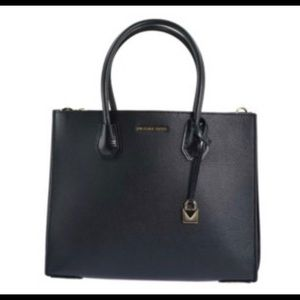 Michael Kors LG Acrdion conv tot leather black